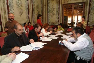 Les alumnes d'un taller es formen treballant a 11 entitats de la ciutat